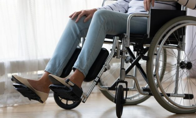 Disability advocates' anger over NDIS' traumatising, 'cost-cutting' reforms